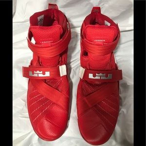 Nike Lebron James Red Soldier Velcro Straps 18